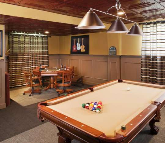 4 Billiard Room