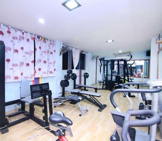 2 Modern Gym